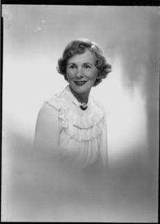 Helen Breen Arnold (née Moore), by Lenare - NPG x3996