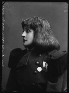 Kate Cutler (Mrs Sydney Ellison) as Trilby in 'A Model Trilby; or, A Day or Two After Du Maurier', by Alexander Bassano - NPG x413