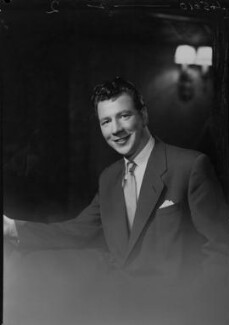Max Bygraves, by Lenare - NPG x4448