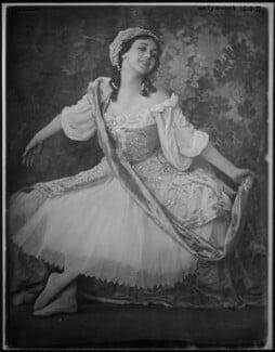 Tamara Karsavina as Armide in 'Pavillon d'Armide', by Emil Otto ('E.O.') Hoppé, 1911 - NPG x45203 - © 2017 E.O. Hoppé Estate Collection / Curatorial Assistance Inc.