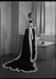 Mary Edmunds (née Marshall), Lady Chesham, by Lenare - NPG x4596