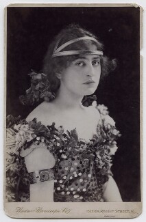 Constance Collier, by London Stereoscopic & Photographic Company - NPG x45962