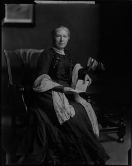 Mary Augusta Ward (née Arnold), by Henry Walter ('H. Walter') Barnett,  - NPG x46029 - © National Portrait Gallery, London