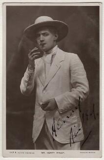 Henry Hinchliffe Ainley, by Foulsham & Banfield, circa 1908 - NPG x5150 - © National Portrait Gallery, London