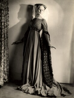 Margaret Leighton as the Queen in 'Henry IV, Part I', by Vivienne, 1946 - NPG x87958 - © reserved; collection National Portrait Gallery, London
