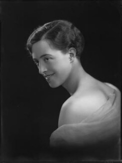 Olga Marie Munro (née Grumler), Lady Alness, by Lafayette (Lafayette Ltd), 20 May 1926 - NPG x59018 - © National Portrait Gallery, London