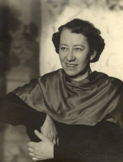 Flora Robson, by Vivienne, 1945-1956 - NPG x88022 - © reserved; collection National Portrait Gallery, London