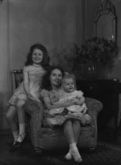 Catherine Armstrong (née Buckley) with her sisters Jane Gwellian Armstrong Slade (née Buckley) and Marion Miranda Armstrong Buckley., by Bassano Ltd - NPG x73142