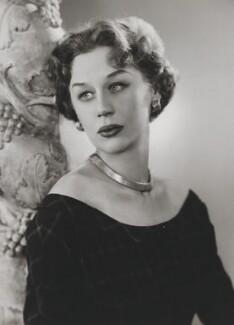 Margaret Leighton, by Dorothy Wilding - NPG x19995
