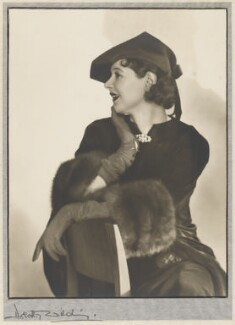 Isabel Jeans, by Dorothy Wilding - NPG x18852