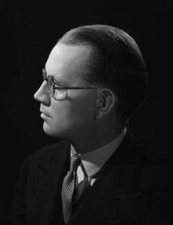Austin Richard William ('Toby') Low, 1st Baron Aldington, by Bassano Ltd, 22 October 1946 - NPG x73895 - © National Portrait Gallery, London