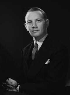 Austin Richard William ('Toby') Low, 1st Baron Aldington, by Bassano Ltd, 22 October 1946 - NPG x73896 - © National Portrait Gallery, London