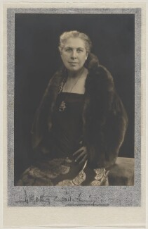 Christine Mary Murrell, by Dorothy Wilding - NPG x21458