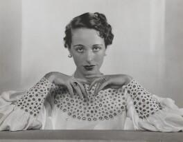 Margaret Rawlings (Lady Barlow), by Dorothy Wilding - NPG x21995