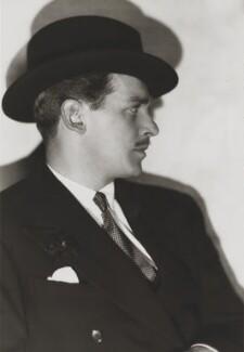 Douglas Fairbanks Jr, by Dorothy Wilding - NPG x16199