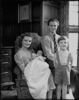 Sir James Heron Walker, 5th Bt with his family, by Bassano Ltd - NPG x78403