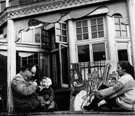 John Randall Bratby; David Bratby; Jean Esme Oregon Cooke, by Ida Kar, 1959 - NPG x88625 - © National Portrait Gallery, London