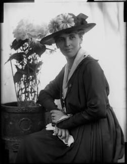 Adelaide Mabel Allenby (née Chapman), Viscountess Allenby of Megiddo, by Henry Walter ('H. Walter') Barnett, 1900-1920 - NPG x81629 - © National Portrait Gallery, London