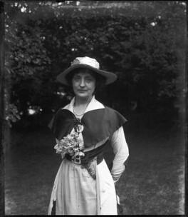 Dame (Florence) Lilian Braithwaite, by Mrs Albert Broom (Christina Livingston) - NPG x925