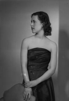Hon. Patricia Helen Cayzer (née Browne), by Navana Vandyk - NPG x97447