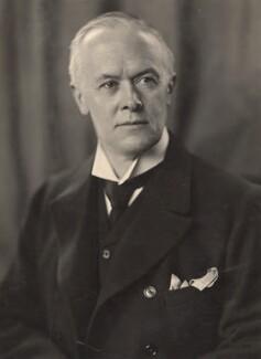 Ronald Crauford Munro-Ferguson, 1st Viscount Novar, by H. Walter Barnett - NPG x45445