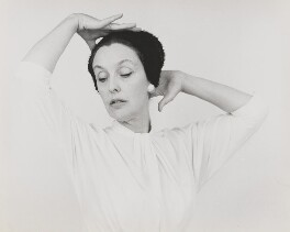Joyce Grenfell, by Lord Snowdon - NPG P815