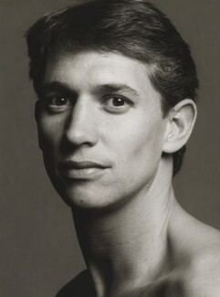 Gary Lineker, by Lord Snowdon, 10 April 1991 - NPG  - © Armstrong Jones