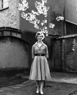 Gloria Jean Irene Dunn (née Hill), Lady Cottesloe, by Ida Kar, 1959 - NPG x88668 - © National Portrait Gallery, London