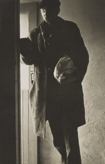Roger Hilton, by Andrew Lanyon, May 1968 - NPG P1344 - © Andrew Lanyon / National Portrait Gallery, London
