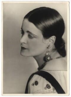 Harriet Cohen, by Yvonne Gregory - NPG x39260