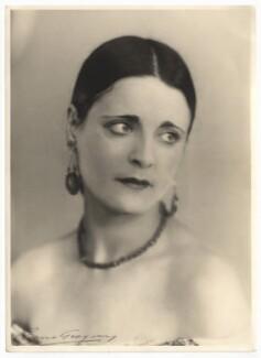 Harriet Cohen, by Yvonne Gregory - NPG x39263