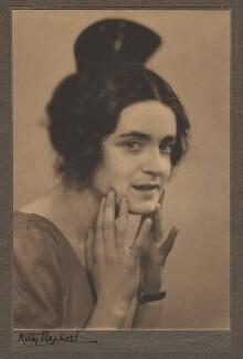 Harriet Cohen, by Kitty Raphael - NPG x39279