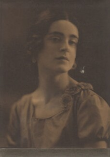 Harriet Cohen, by Kitty Raphael - NPG x39280