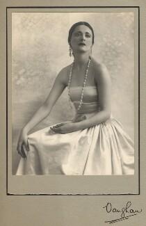 Harriet Cohen, by Vaughan & Freeman - NPG x39287