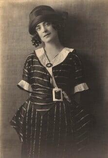 Harriet Cohen, by Dorothy Wilding - NPG x39290