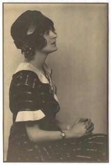 Harriet Cohen, by Dorothy Wilding - NPG x39291