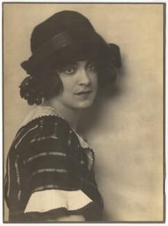 Harriet Cohen, by Dorothy Wilding - NPG x39292