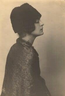 Harriet Cohen, by Dorothy Wilding - NPG x39295
