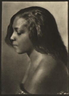 Unknown Dutch West Indian woman, by E.O. Hoppé - NPG Ax132955