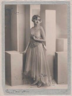 (Elsie) Evelyn Laye, by Edmund Harrington - NPG x133220