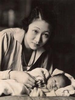 Madame Wellington Koo (née Hui-lan Oei) with Yu-chang Koo, by Oscar Hardee (Oscar Hardee Blyfield), for  H. Walter Barnett - NPG x45435