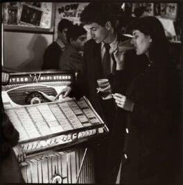 Jukebox, Soho, by Ida Kar, June 1960 - NPG x134166 - © National Portrait Gallery, London