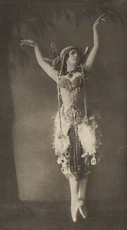 Tamara Karsavina as the Firebird in 'L'Oiseau de Feu' (The Firebird), by E.O. Hoppé - NPG x134194