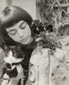 Marie-Thérèse Lelio, by Ida Kar, 1955 - NPG x134229 - © National Portrait Gallery, London