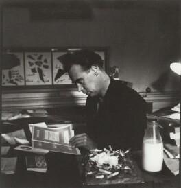 Victor Musgrave, by Ida Kar, mid 1950s - NPG x134487 - © National Portrait Gallery, London