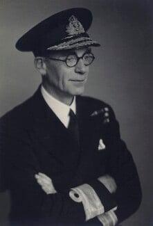 Sir Malcolm Giffard Stebbing Cull, by Walter Stoneman - NPG x166919