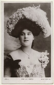 Lily Morris (née Lilles Mary Crosby), by Karoly of Nottingham, published by  Rotary Photographic Co Ltd - NPG Ax160101