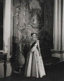 Queen Elizabeth II, by Cecil Beaton - NPG P1471
