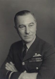 Sir Walter Lloyd Dawson, by Walter Stoneman - NPG x167042
