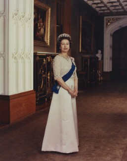 Queen Elizabeth II, by Peter Grugeon - NPG P1550